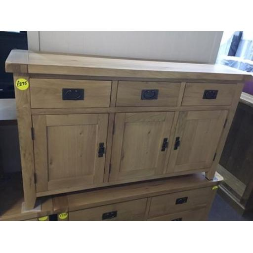 GOOD QUALITY REAL OAK 3 DRAWER SIDEBOARD WITH DROPPED HANDLES!