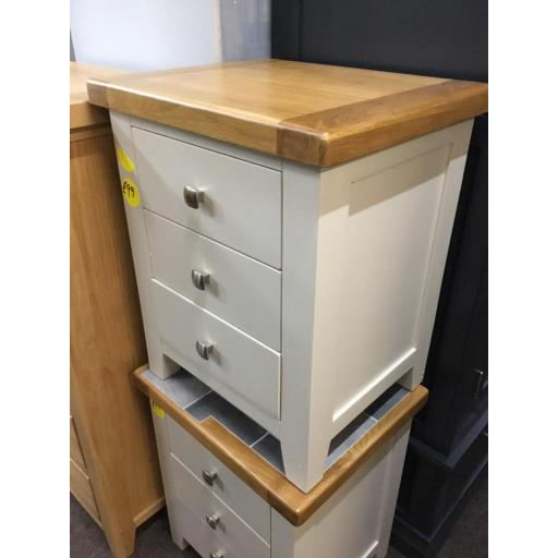 LIGHT GREY 3 DRAWER BEDSIDE TABLE WITH OAK TOPS!!