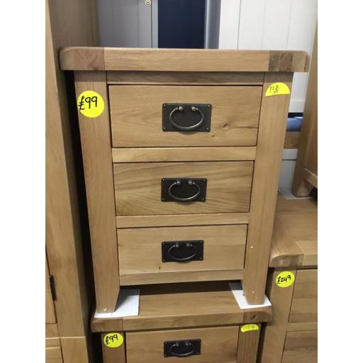 OAK 3 DRAWER BEDSIDE TABLE!!