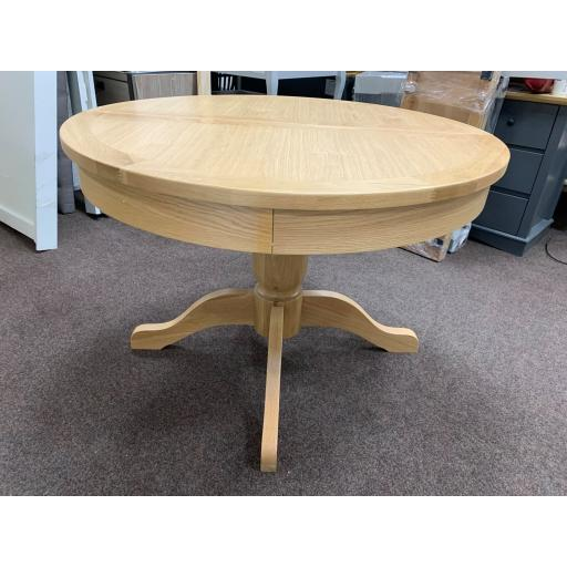 Light Oak 110-145cm Round Ext. Dining Table Only
